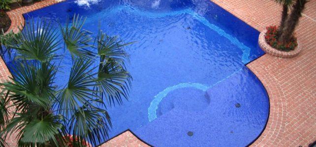 patios-fire-pits-masonry-patio-pavers-with-pool-seperators-1030x773