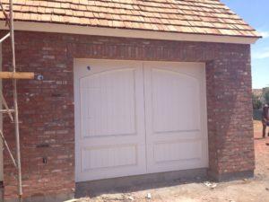white-garage-door-phoenix-arcadia-1030x773