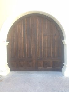 wood-garage-door-phoenix-arcadia-with-arched-header-used-773x1030